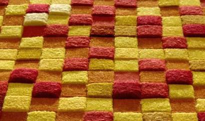 sari kirmizi salon halilari salon halıları modelleri