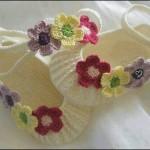 Çiçekli örgü kız bebek patik modelleri