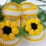 Sarı örgü bebek sandalet modelleri